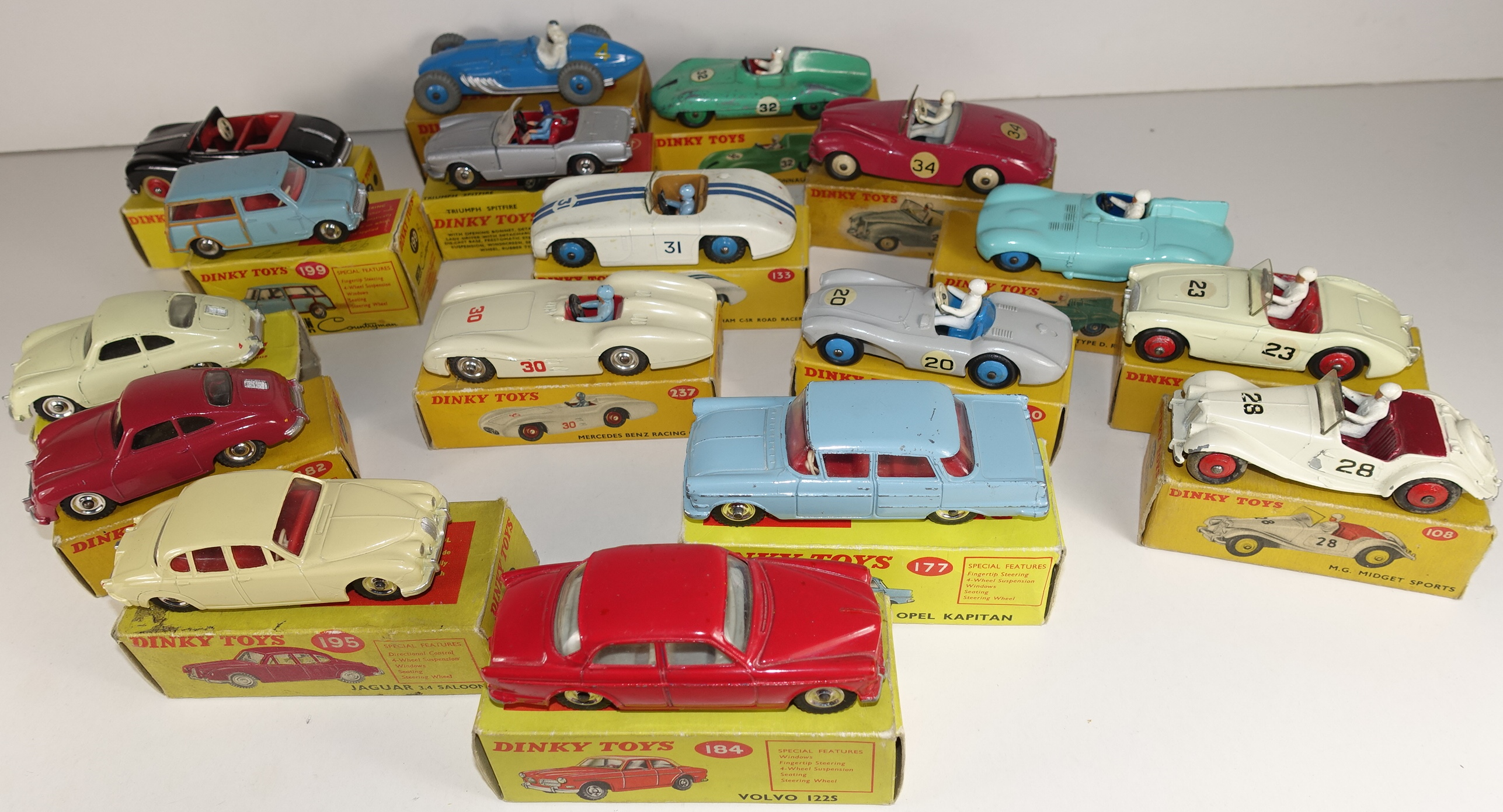 3 Dinky Toys GB boxed